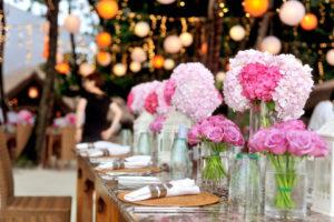 vidéki esküvő csokor asztaldekoráció