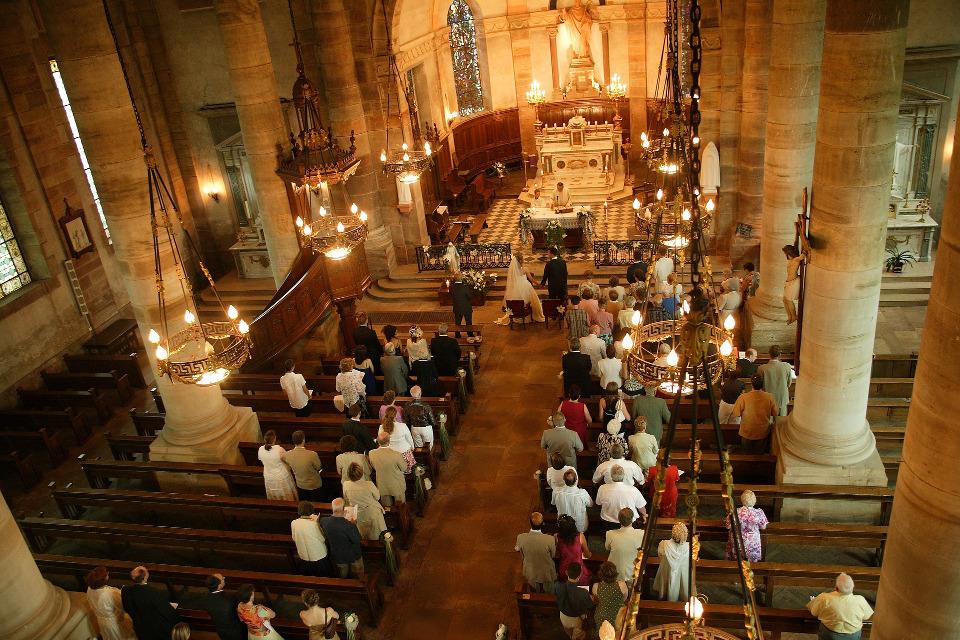 51194ed3c5 Az egyházi esküvő különböző szokásai | E & A Wedding